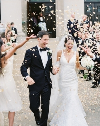 3-southern-wedding-rose-petal-toss
